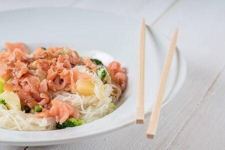 Noodles With Teriyaki Salmon, Broccoli And Pineapple
