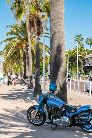 CANNES, FRANCE - JUNE 01, 2019: Harley-Davidson Motorcycle In Downtown City Of Cannes 에디토리얼