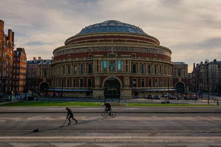 LONDON, UNITED KINGDOM - FEBRUARY 2021 - Royal Albert Hall seen from Hyde Park Publikacyjne