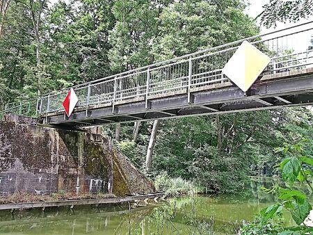 The old railway bridge over the Gleuensee