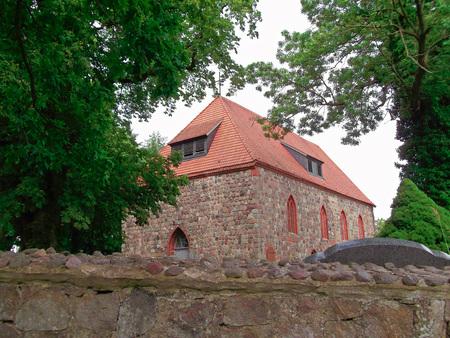 gibel: Field stone church in Gr now