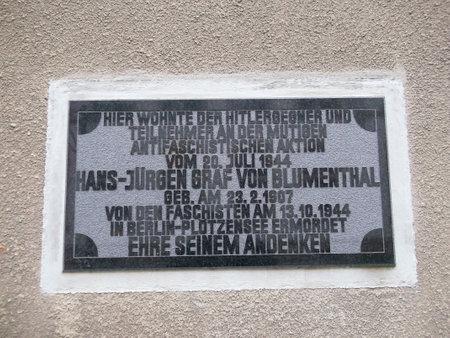The memorial plaque Editorial