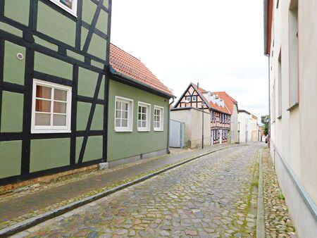 Rues et ruelles d & # 39 ; une vieille ville historique Banque d'images - 86498733