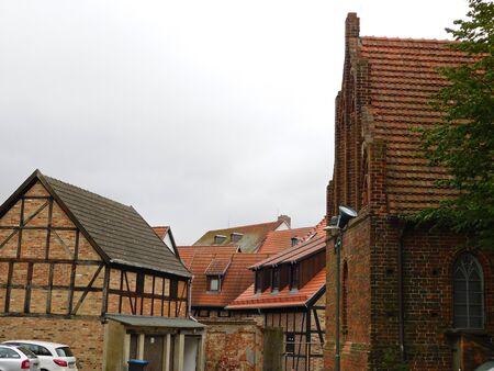 Rues et ruelles d'une vieille ville historique Banque d'images - 86498745