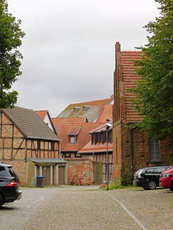 Rues et ruelles d'une vieille ville historique Banque d'images - 86498753