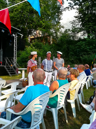Templin, Brandenburg district Uckermark / Germany - July 20, 2019: 16th water games on the floating stage of Templin 스톡 콘텐츠 - 129999262