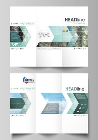In drieën gevouwen brochuresjablonen aan beide zijden. Abstract vector lay-out in plat ontwerp. Kleurrijke achtergrond gemaakt van driehoekige of zeshoekige textuur voor reiszaken, natuurlijk landschap in veelhoekige stijl. Vector Illustratie