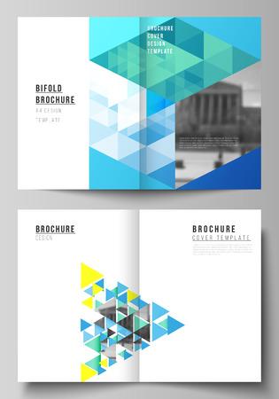Il layout vettoriale di due modelli di progettazione di mockup di copertine in formato A4 per brochure bifold, riviste, volantini, opuscoli, relazioni annuali. Sfondo poligonale di colore blu con triangoli, motivo a mosaico colorato. Vettoriali