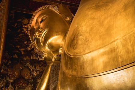 Reclining Buddha of Bangkok. Temples of Thailand Imagens