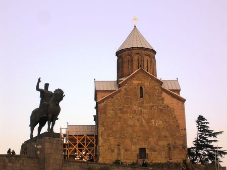 tbilisi: Statue of King Vakhtang and Metekhi church in Tbilisi
