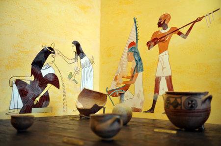 Oud en archeologisch kunstwerk in het Israel Beer Breweries (IBBL) museum in Ashkelon, Israël. Stockfoto - 36727265