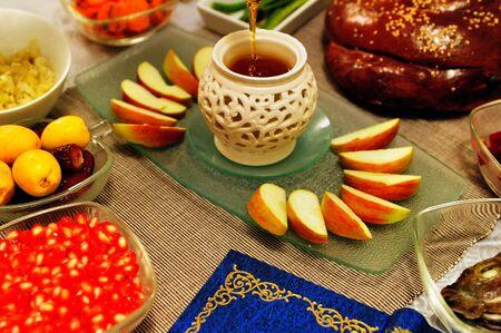 judaic: שולחן ערוך בברכות לכבוד ראש השנה. צילום רפאל בן ארי 08.09.2010