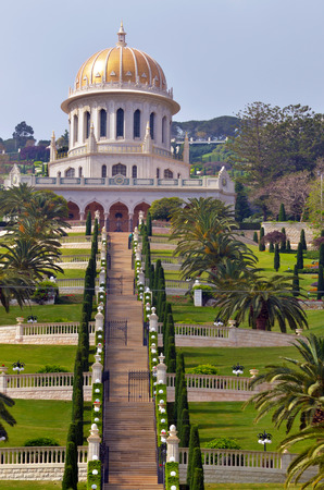 bahaullah: HAIFA, ISR - MAR 21 2015:Shrine of the Bab and lower terraces at the Bahai World Center in Haifa, Israel.World Christian Encyclopedia estimated 7 million Bahais in the world in 2010 in 218 countries