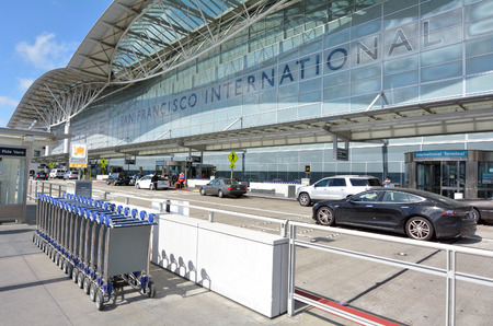 SAN FRANCISCO - MAY 16 2015:San Francisco International Airport.SFO is the largest airport in the San Francisco Bay Area and the second busiest in California, after Los Angeles International Airport. Редакционное