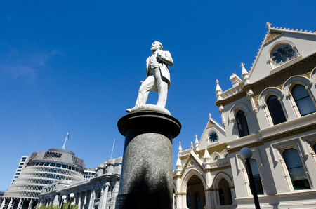 parliamentary: Parliamentary Library with the memorial statue of John Ballance, New Zealands Premier 1891-93, in the foreground.