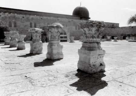 アル アクサ モスク寺院のエルサレム、イスラエルをマウントします。
