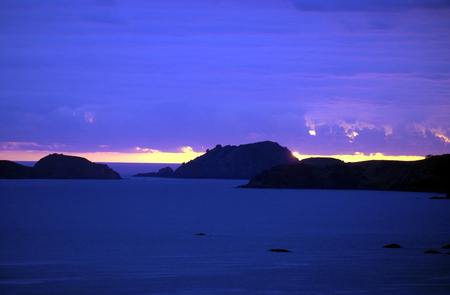 aotearoa: Sunset view of the Cavalli islands, Bay of Islands, New Zealand.