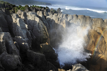 south island new zealand: Pancake rocks in Punakaiki, South island, New Zealand.