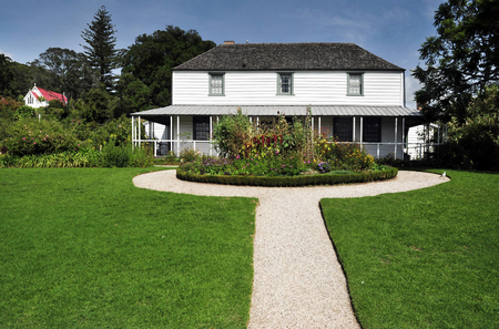 inlet bay: Historic Mission Station Kemp House (1821) - the oldest building in New Zealand, in Kerikeri, Northland, Kerikeri, Far North District, Northland Region, New Zealand (NZ).