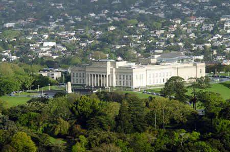 silver fern: AUCKLAND, NZ - OCT 08:Aerial view of Auckland War Memorial Museum on Oct 08 2013.The museum is the most popular visitor attraction in New Zealands largest city population 1.5 million Editorial