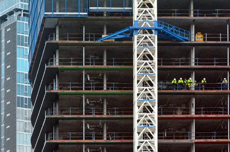 apartment market: MELBOURNE - 10 de abril 2014: Nueva construcci�n de edificios site.The Banco de la Reserva de Australia emiti� una advertencia sobre un posible exceso de oferta de apartamentos en el distrito financiero de Melbourne como el mercado est� hinchado con pisos vac�os