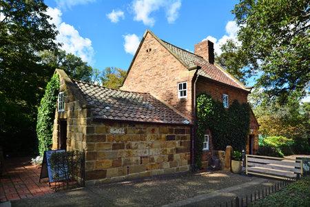 fitzroy: MELBOURNE, AUS - APR 14 2014:Captain Cooks Cottage.Its a popular tourist attraction located in the Fitzroy Gardens, Melbourne, Australia.