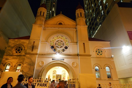 shul: BRISBANE, AUS - SEP 24 2014:Jewish people at Brisbane Synagogue .Brisbane Synagogue founded in 1886 and is the oldest in the state of Queensland, Australia.
