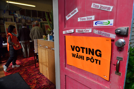 głosowało: MANGONUI, NZL -SEP 20 2014:New Zelanders voting for NZ 2014 General Election.The Electoral Commission said 717,579 people voted in advance of election day, more than double then Election in 2011.