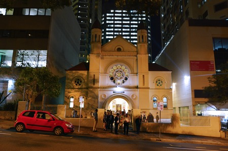 synagogue: BRISBANE, AUS - SEP 24 2014:Jewish people at Brisbane Synagogue .Brisbane Synagogue founded in 1886 and is the oldest in the state of Queensland, Australia.