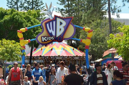 bugs bunny: GOLD COAST, AUS -  NOV 06 2014:Visitors in Movie World Gold Coast Queensland Australia.The park opened in 1991 and contains various movie-themed rides and attractions.