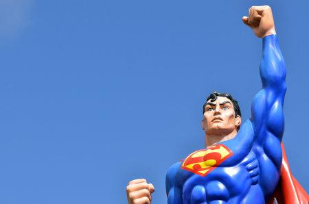 identidad cultural: GOLD COAST, AUS - 20 DE NOVIEMBRE 2014: Superman.He es un superh�roe de c�mic publicado por DC Comics.He es un icono cultural de Estados Unidos y ha sido etiquetado como el mayor h�roe del c�mic de todos los tiempos por IGN