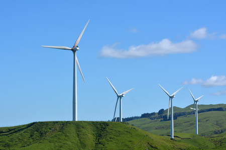 PALMERSTON NORTH, NZL - DEC 03 2014:Wind turbines in Te Apiti Wind Farm.The 100 million wind farm consists of 55 separate turbines capable of generating 1.65 MW each with a total capacity of 90.75 MW 新聞圖片