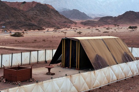 arava: TIMNA, ISR - OCT 15:Model of the tabernacle on October 15 2008.According to the Hebrew Bible, it was the portable dwelling place for the divine presence from the time of the Exodus from Egypt. Editorial