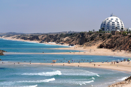 israelis: ASHKELON ,ISR - JULY 27:Ashkelon coastline on July 27 2009.Its southernmost city on the Israeli Mediterranean shoreline with 12 km of beautiful beaches attracts Israelis and foreign tourists.