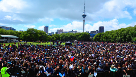 victoria park: AUCKLAND - NOV 05 2015:Thousands of people in Victoria park, Auckland.According to Statistics New Zealand, New Zealands population is estimated to increase by one person every 5 minutes and 39 seconds