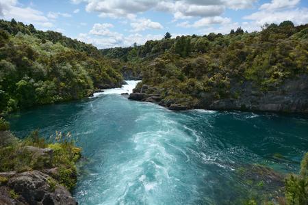 Paysage de Aratiatia Rapids sur la Rive Waikato près de Taupo, en Nouvelle-Zélande.