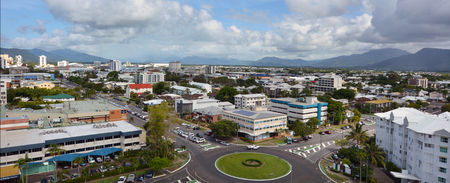 clima tropical: CAIRNS, AUS - APR 14 2016:Aerial view of Cairns, 5th most populous city in Queensland Australia and a popular tourists travel destination for its tropical climate and access to the Great Barrier Reef.