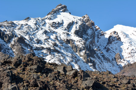tongariro national park: Snow cap on Mount Ruapehu summit the highest mountain in the North Island of New Zealand (2020m above sea level) located in Tongariro National Park. Stock Photo