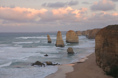 Landscape view the Twelve Apostles at Port Campbell National Park along the Great Ocean Road in Victoria, Australia. Imagens