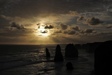 Landscape view the Twelve Apostles on sunset at Port Campbell National Park along the Great Ocean Road in Victoria, Australia. Imagens