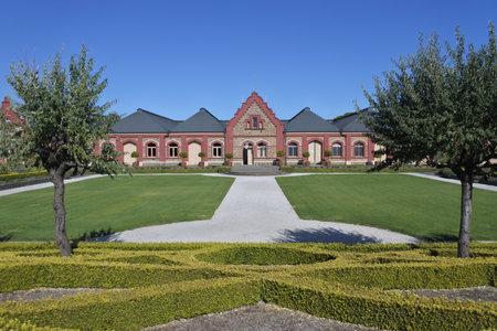 Tanuda, South Australia - May 15 2019: Chateau Tanunda Australian winery, an historical building in Tanunda town Barossa Valley, South Australia. 新聞圖片