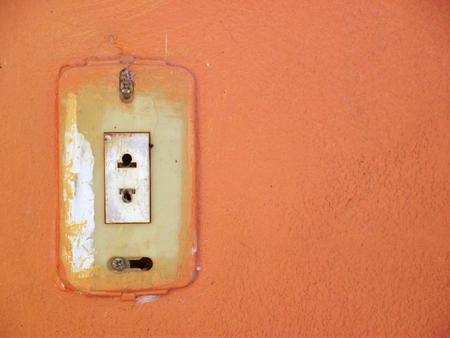 오렌지 벽 배경에 오래 된 스테인드 잭 스톡 콘텐츠