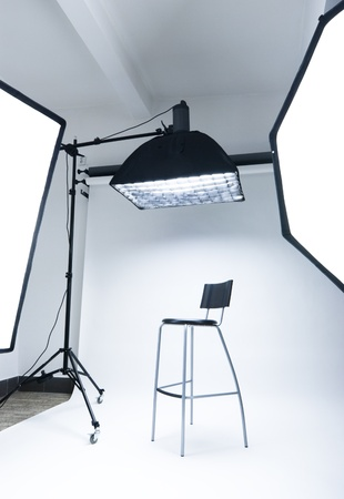 photo studio background: Photo studio setup with lighting equipment