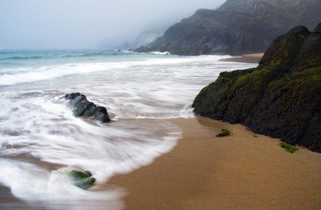 スレー岬、ディングル半島、アイルランドで朝の波
