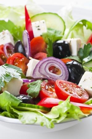 ギリシャ風サラダ、フェタチーズ、チェリー トマトとブラック オリーブ