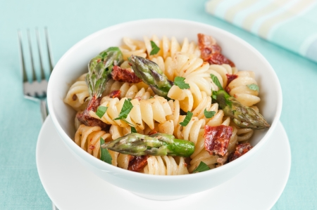 Fusilli pasta with asparagus and sun dried tomatoes