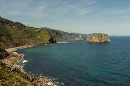 Vistas únicas de la ermita de San Juan de Gaztelugatxe Foto de archivo