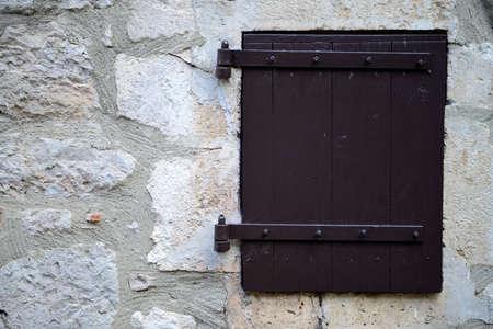 window inold stonewall photo