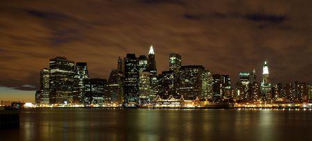 Manhattan skyline at dawn Stock Photo - 5800944