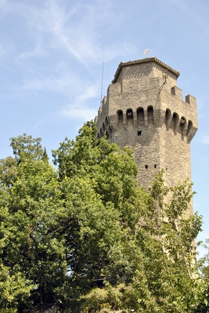 The third tower of San Marino, Montale Editoriali